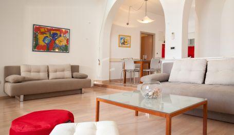 BeachFront apartment Ljubica I
