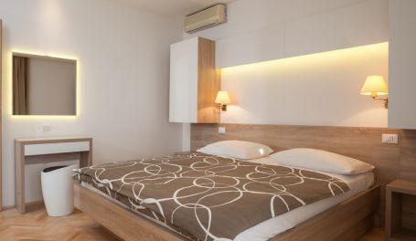 BeachFront apartment Lanterna Vi