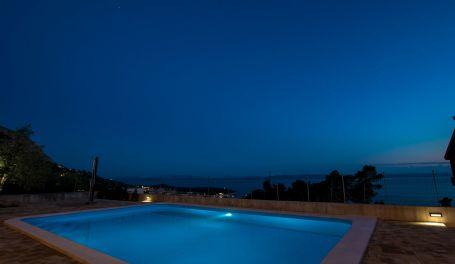 Apt with pool Matanovi Dvori I