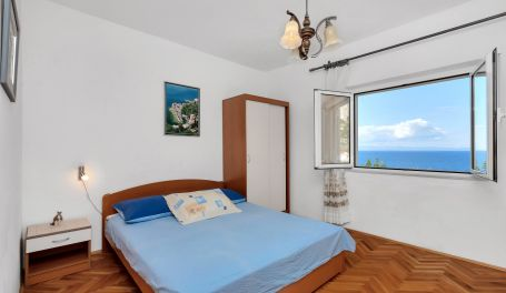 Apartman uz plazu Maria III