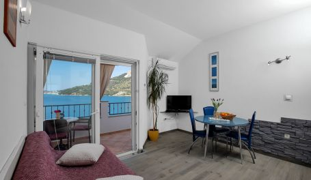 Beach View Apartment Maria I
